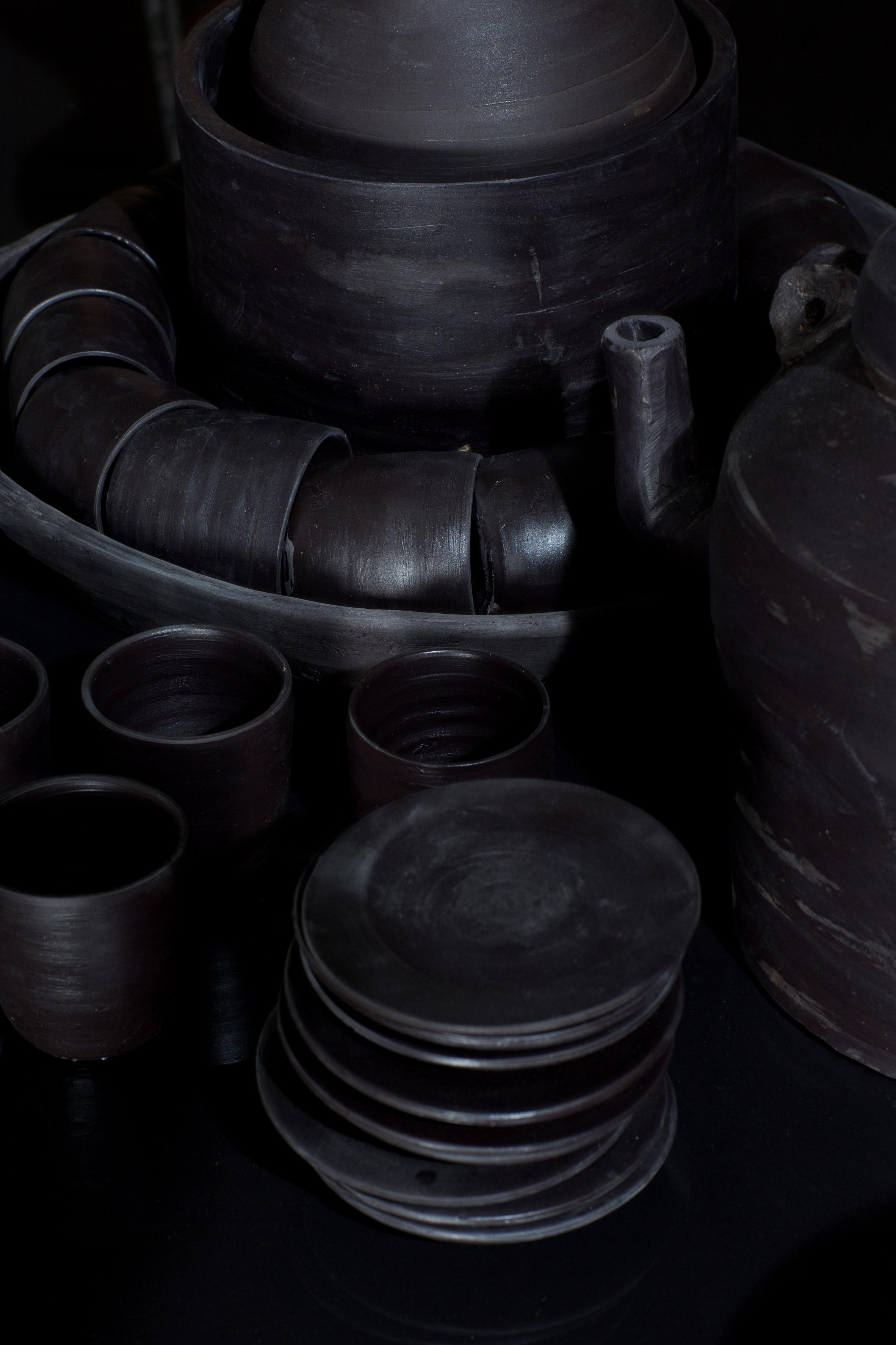 Xavier Mañosa sculpts entire kitchen from Cosentino's clay-like Dekton