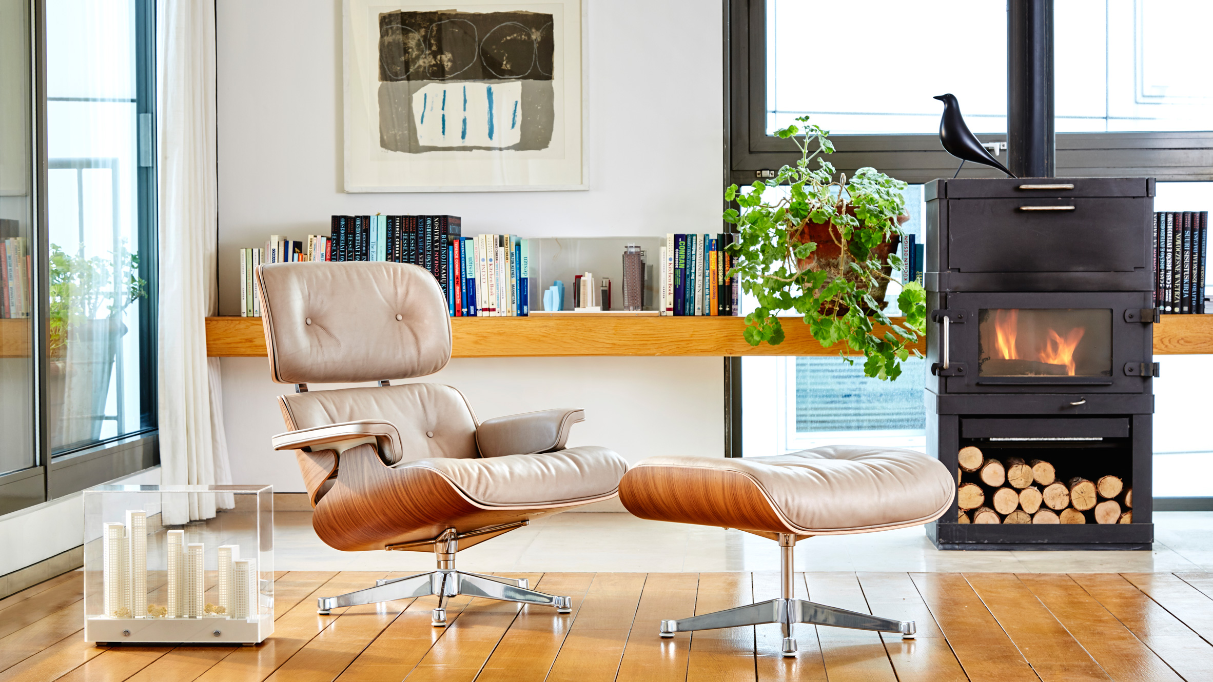 Eames lounge chair contemporary furniture n i th t hi n i - Deco lounge eetkamer modern ...