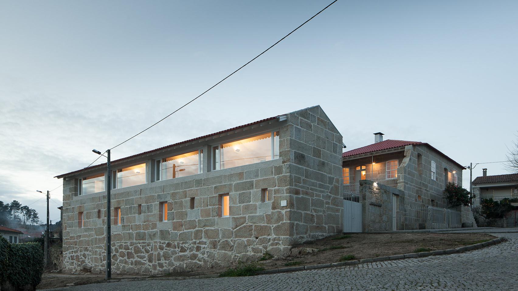 Feitais House by José Lobo Almeida