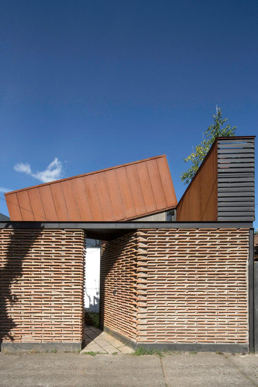 Casa Lautar by Felipe Alarcón Carreño