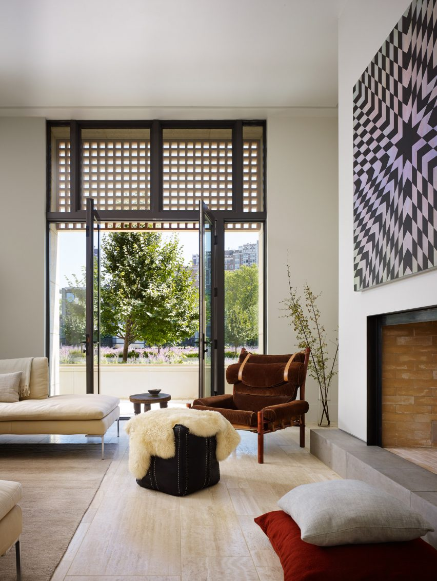 Lincoln Park Townhouse by HBRA