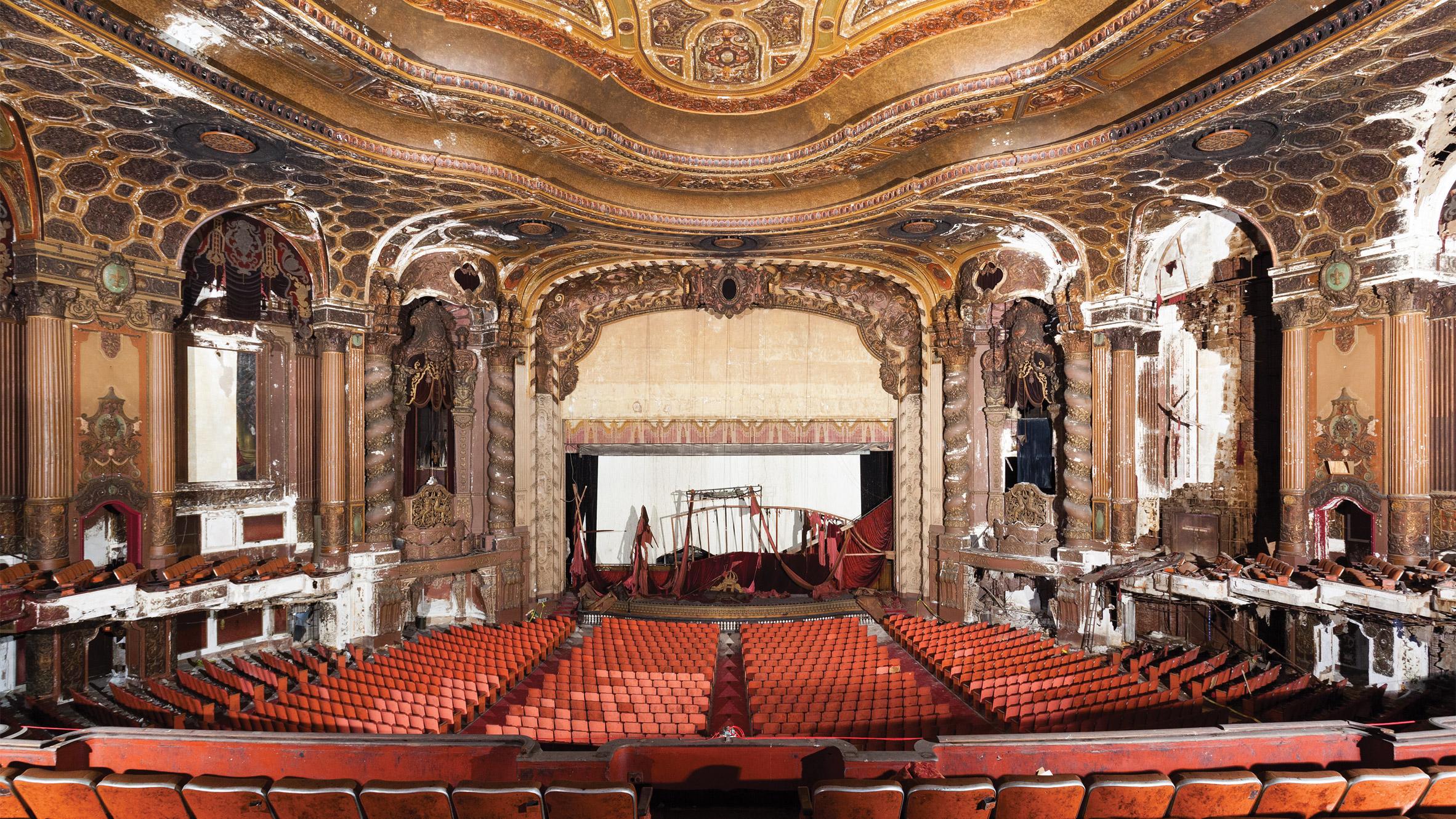 kings-theatre-new-york-matt-lambros-after-the-final-curtain