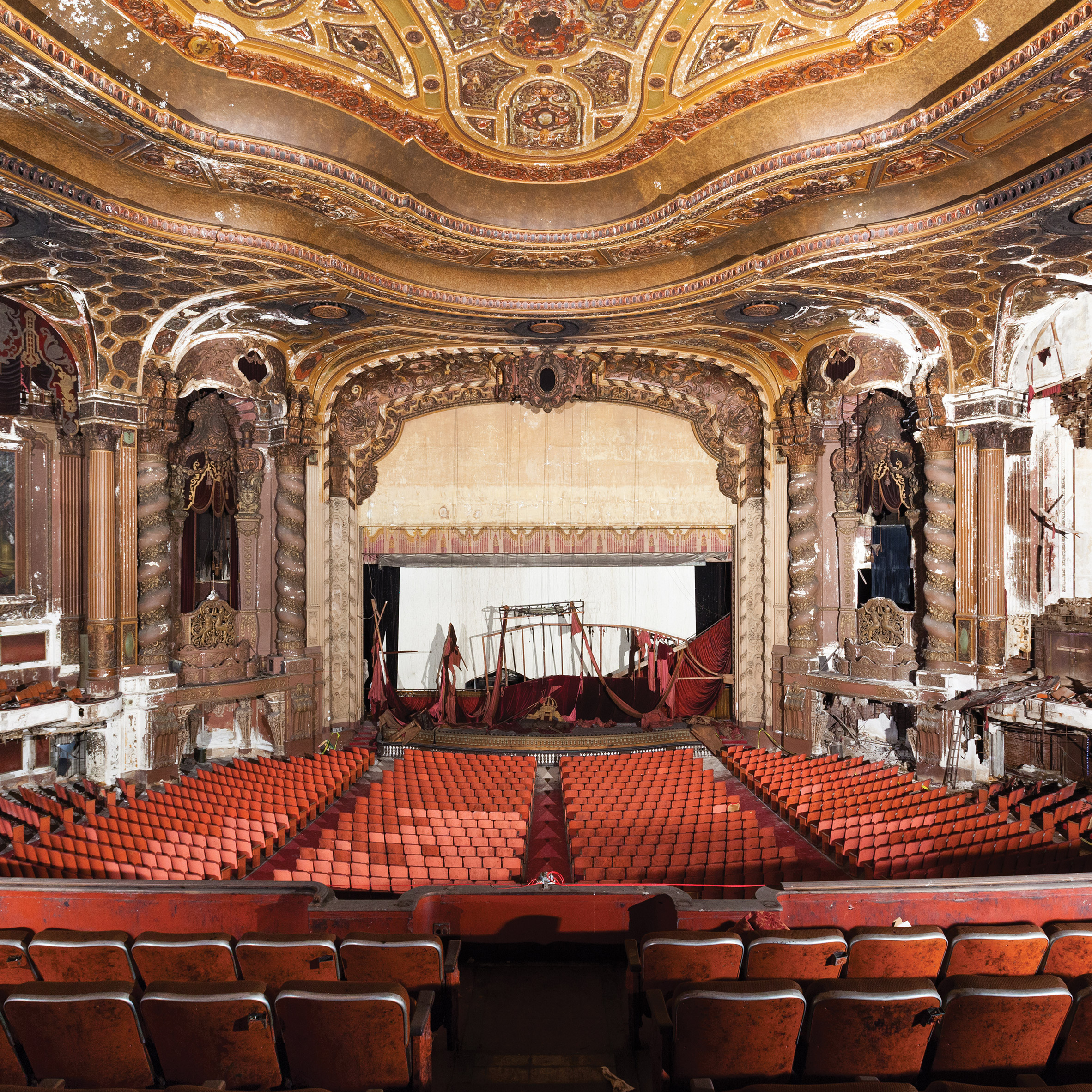 photography essays dezeen matt lambros after the final curtain photographs show america s forgotten movie theatres