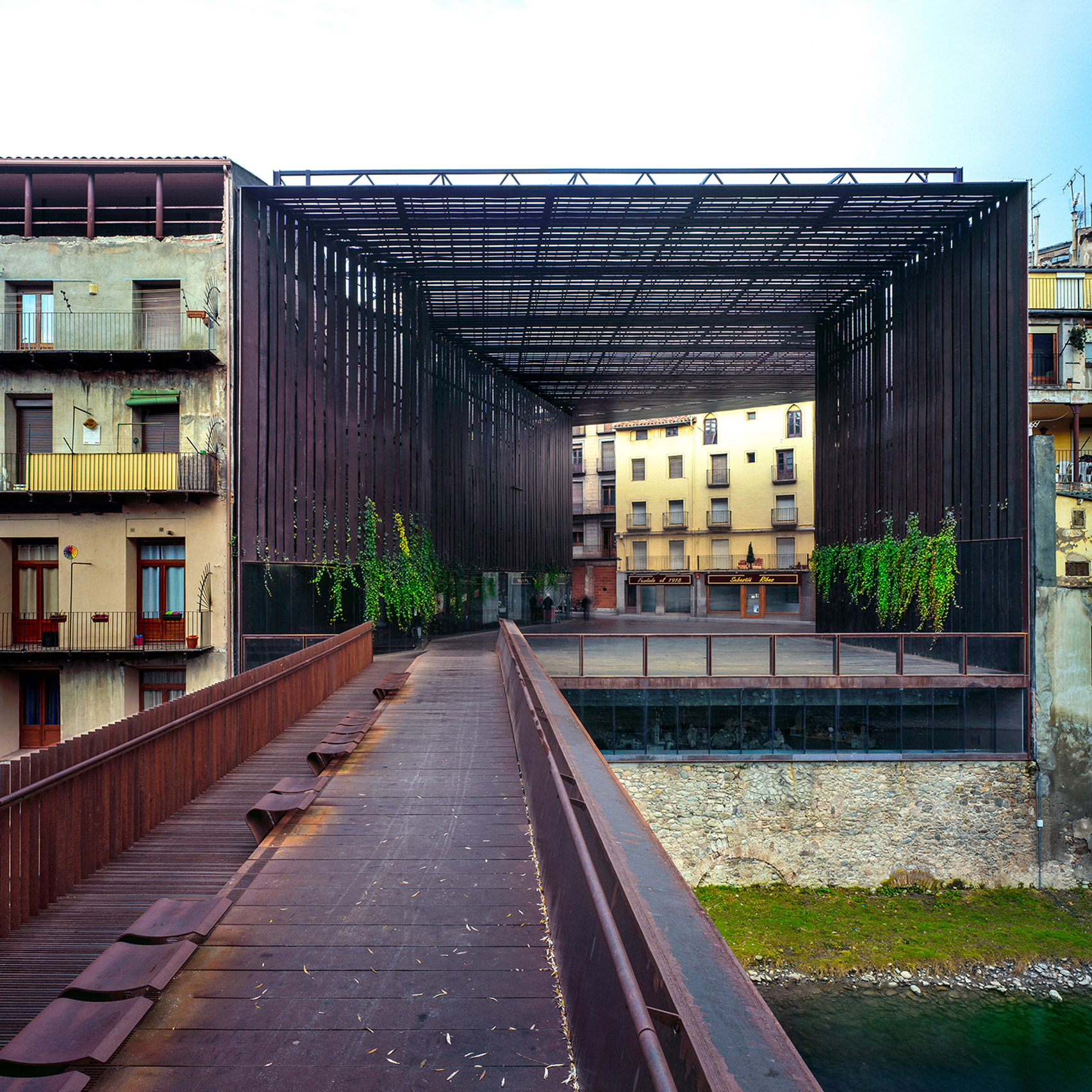 3novices key projects by pritzker prize 2017 laureates rcr for Arquitectes girona