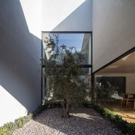 Las Quilas House by Gonzalo Claro
