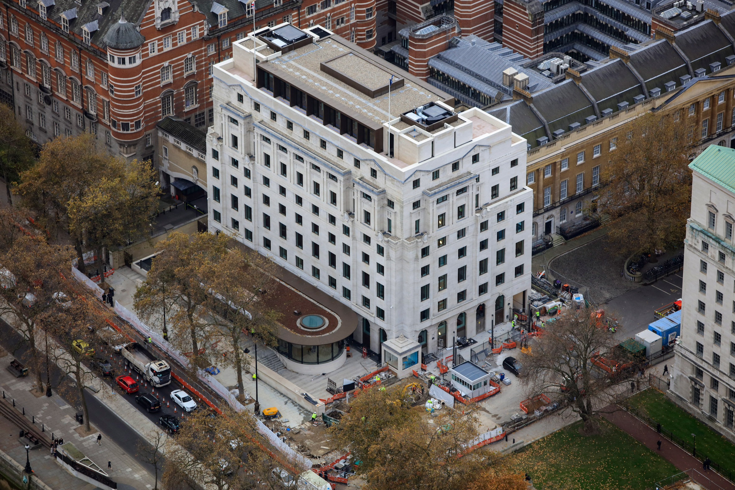 AHMM adds glazed pavilions to 1930s building to create New Scotland Yard police HQ