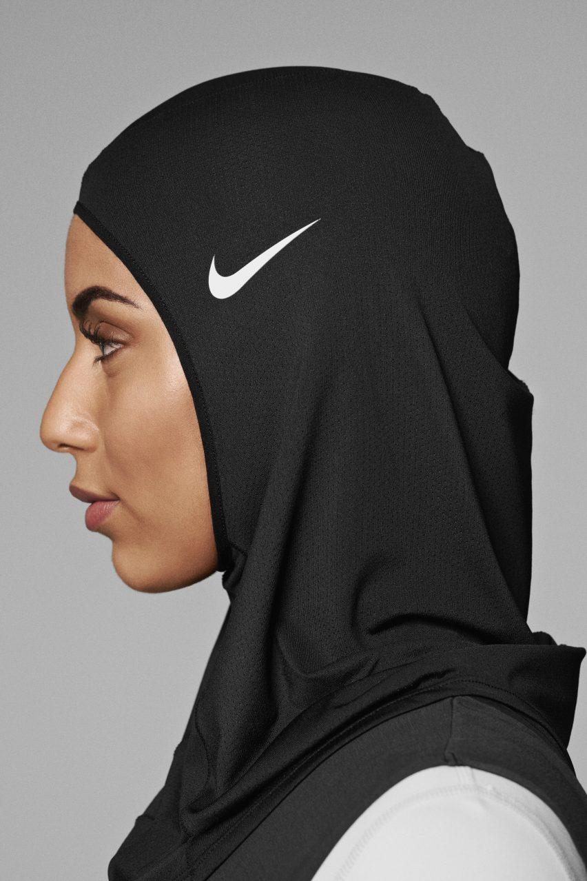 Nike Pro Hijab with Swoosh Logo