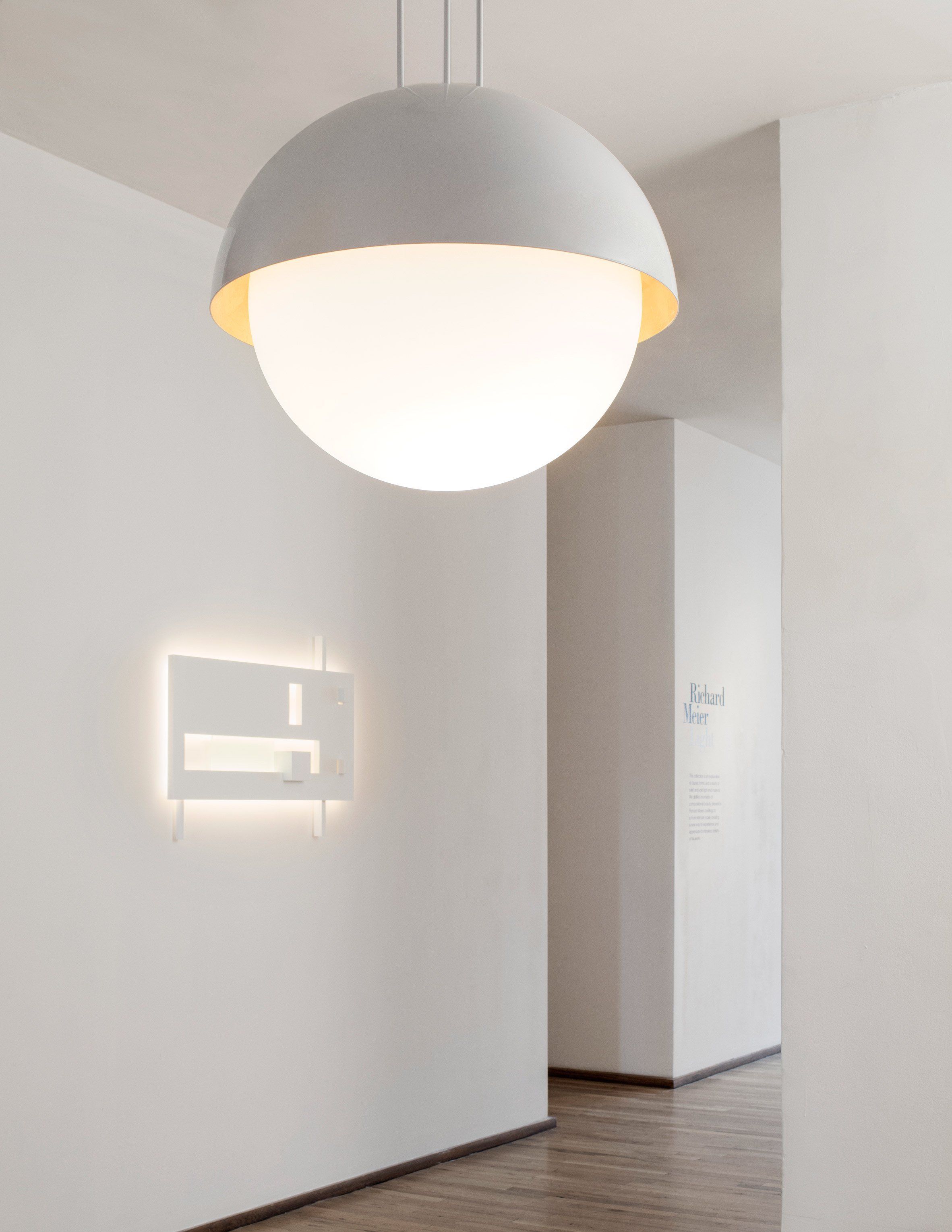 Richard Meier launches minimal lighting collection that resembles his architecture