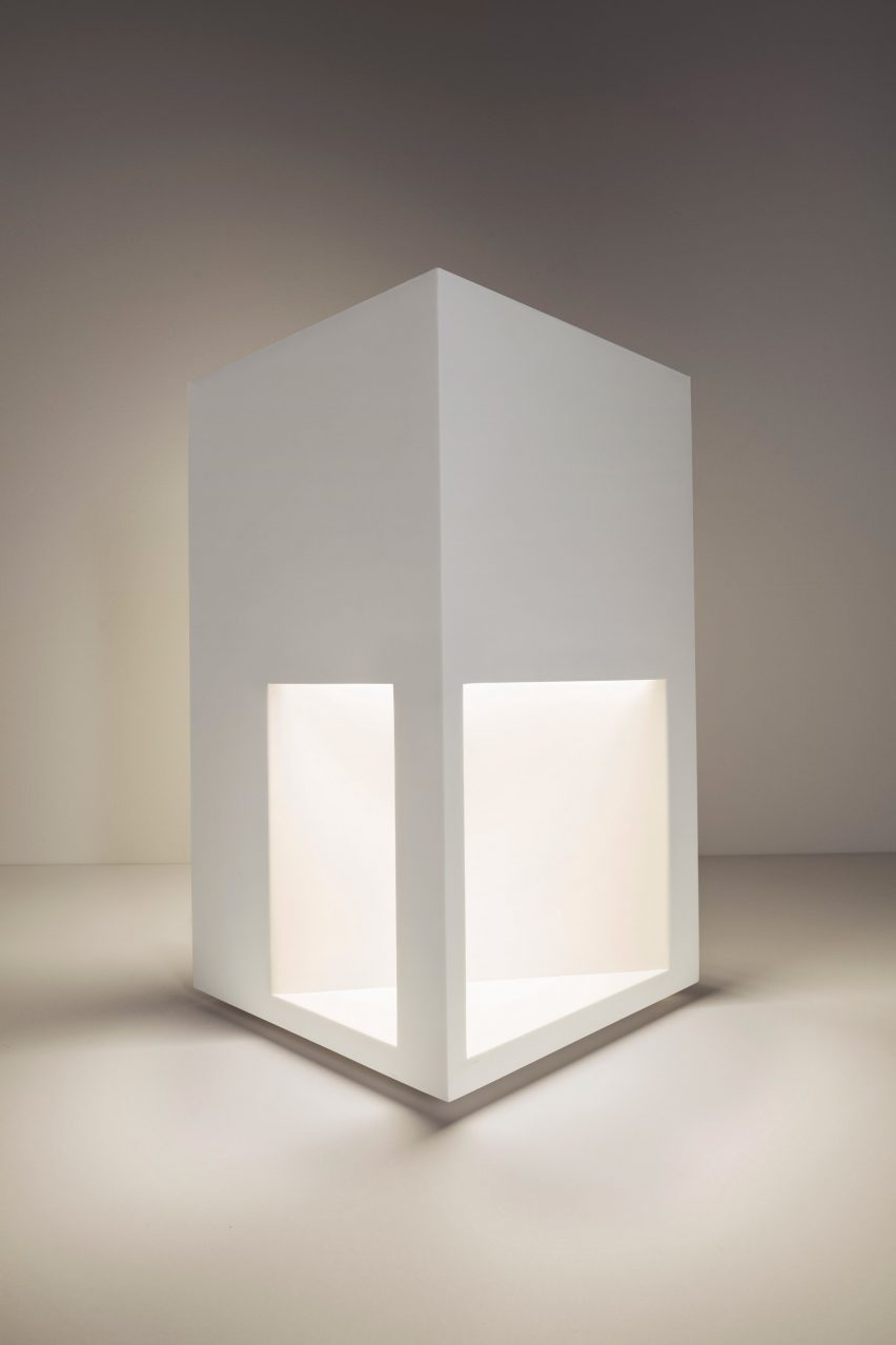 Richard meier launches minimal lighting collection that resembles fire island i arubaitofo Image collections