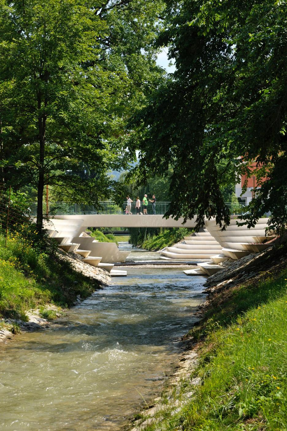 ENOTA sculpts pedestrian city centre for Slovenian garden city