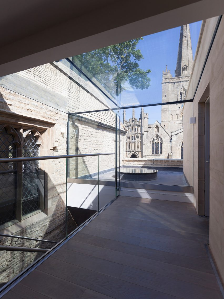 Warwick Hall by Acanthus Clews Architects