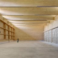 Interlocking timber planks form Workshop Andelfingen by Rossetti + Wyss Architekten