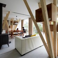Angular tree-like columns form structure of Kensuke Watanabe's Y-house