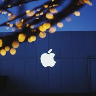 Apple secures license to test self-driving cars in California