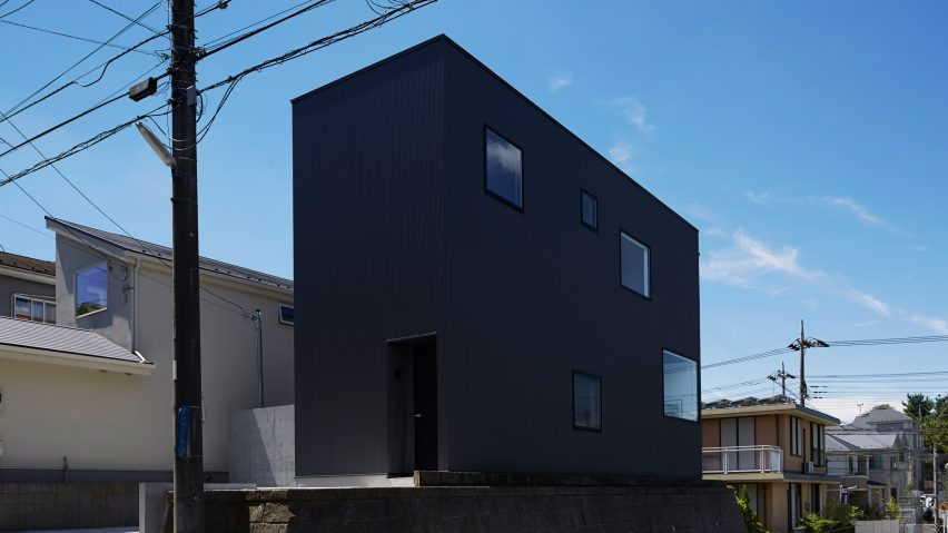 Black box house by TakaTina & Black corrugated metal encases loft-inspired interiors of Japanese ...