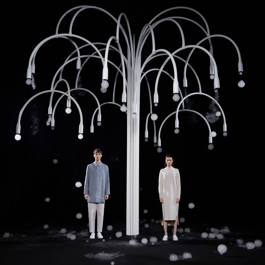 sculptural tree by Studio Swine and COS blossoms with mist-filled bubbles