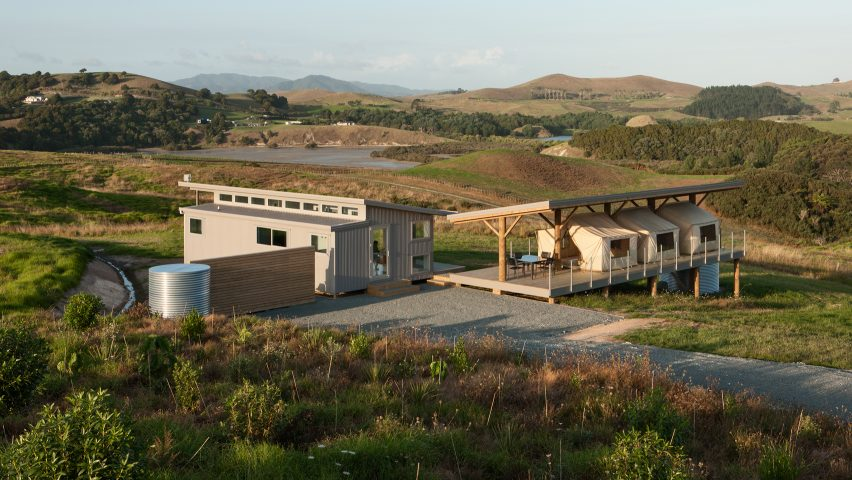 Tents create guest bedrooms with panoramic views at Peggy Deameru0027s New Zealand retreat & Tents create guest bedrooms with panoramic views at Peggy Deameru0027s ...
