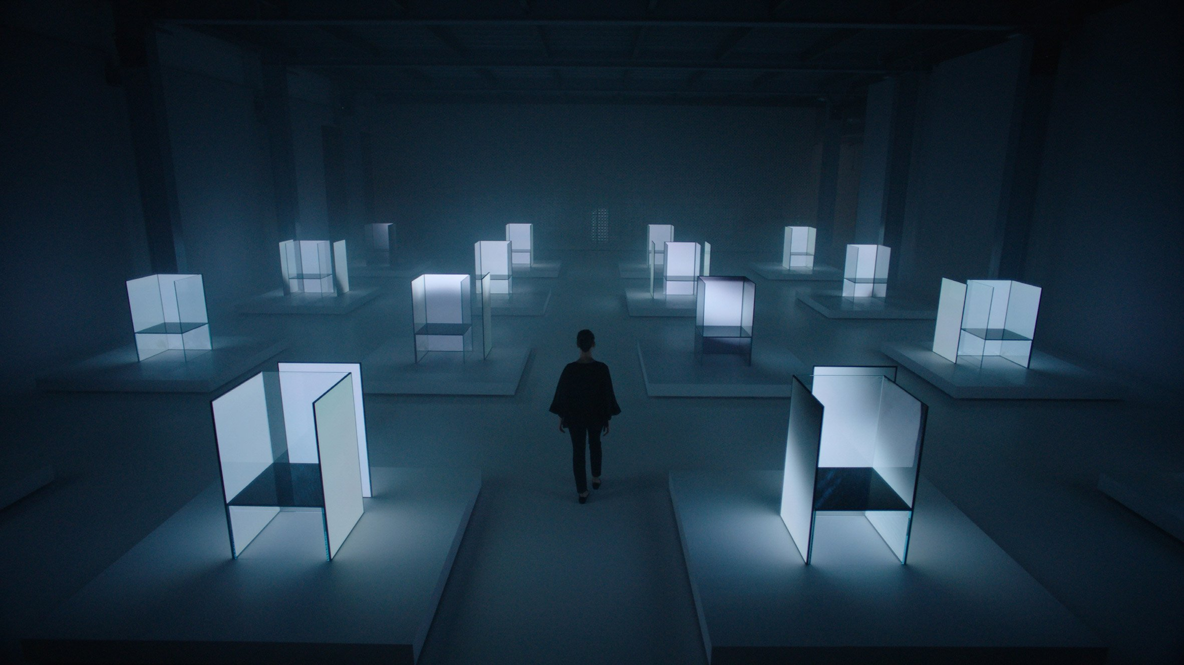Tokujin Yoshioka and LG reveal science fiction-inspired light installation in Milan