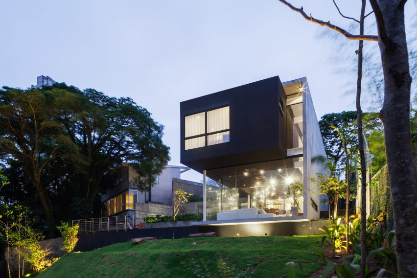 Mattos House by FGMF Arquitetos