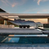 Mountainside villa by SAOTA frames Cape Town's spectacular scenery