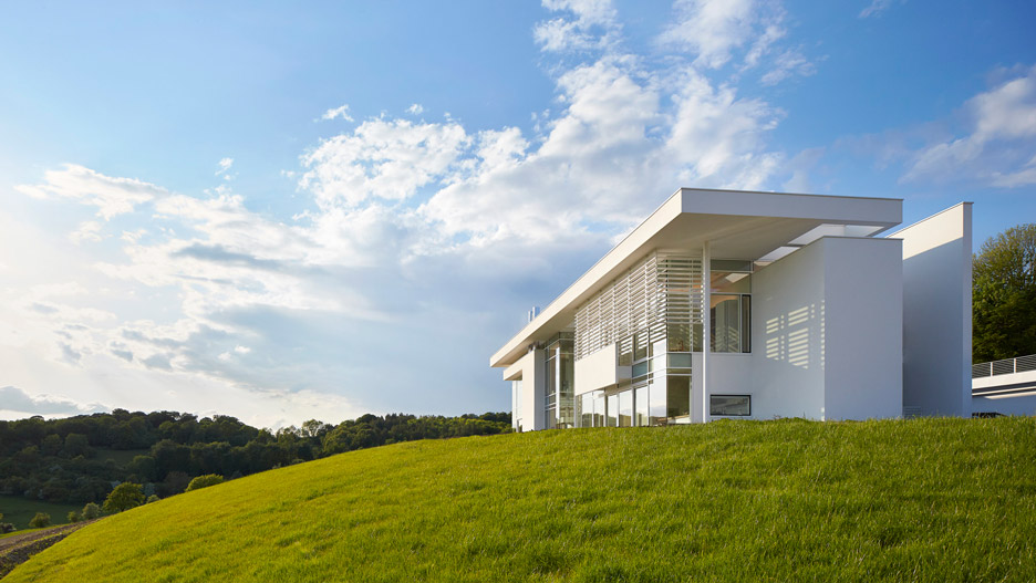 richard meier models all white oxfordshire residence on english manor houses - Richard Meier Homes