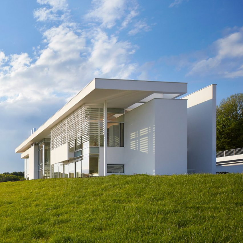 All White Houses Richard Meier models all-white Oxfordshire residence on English manor houses  | ArchiWEB 3.0