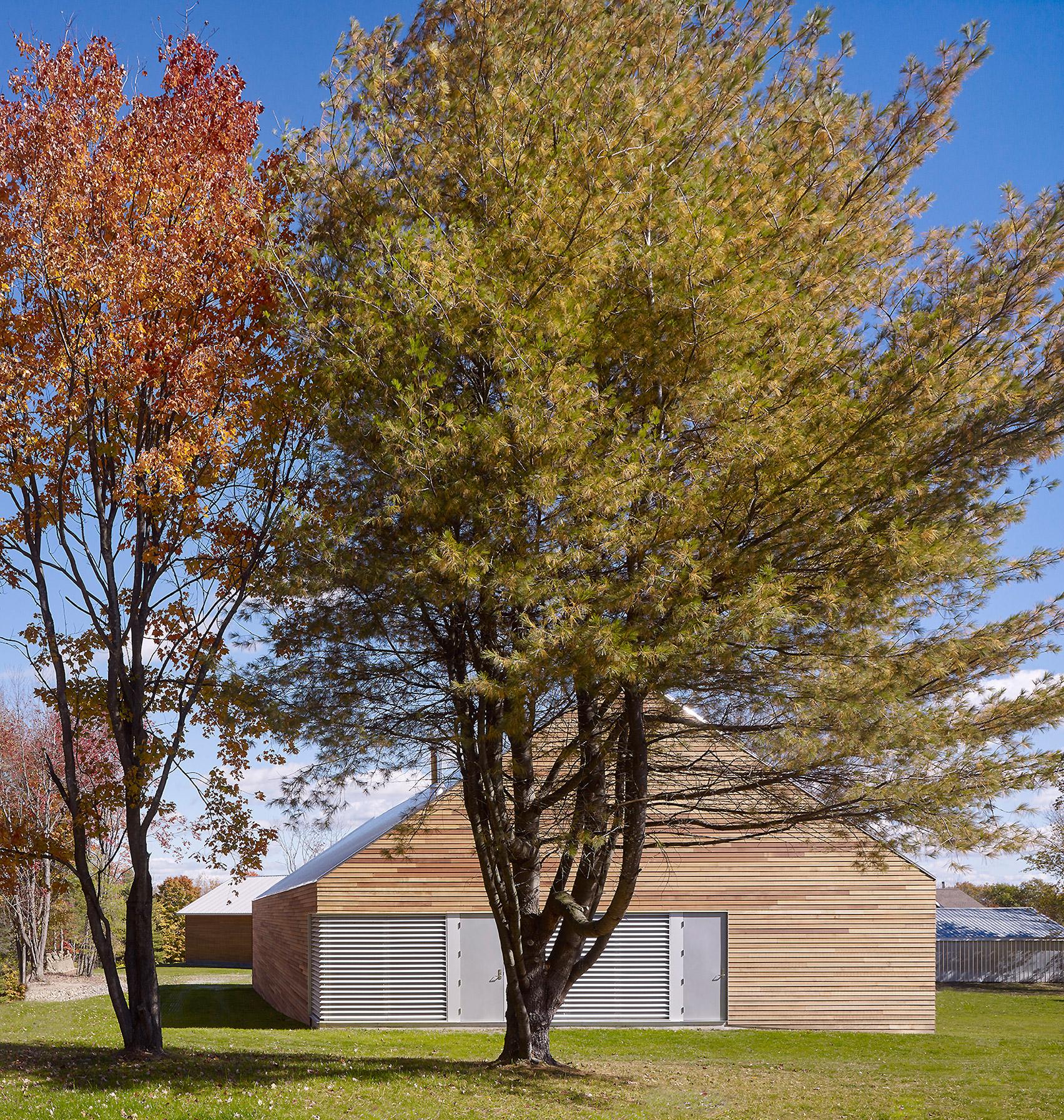 Buro Koray Duman adds barn-like gallery to artist's residence in Upstate New York