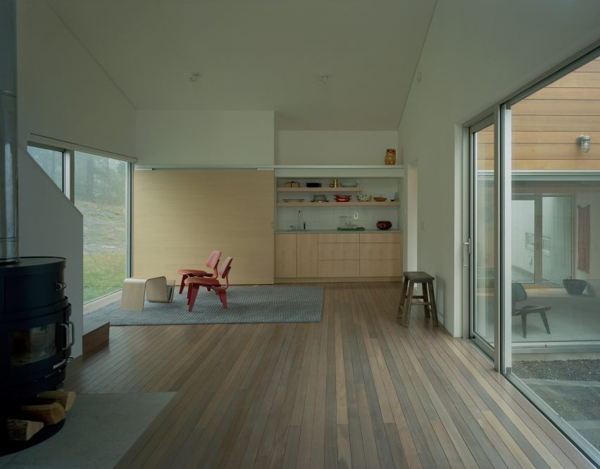 Putney Mountain House by Kyu Sung Woo Architecture