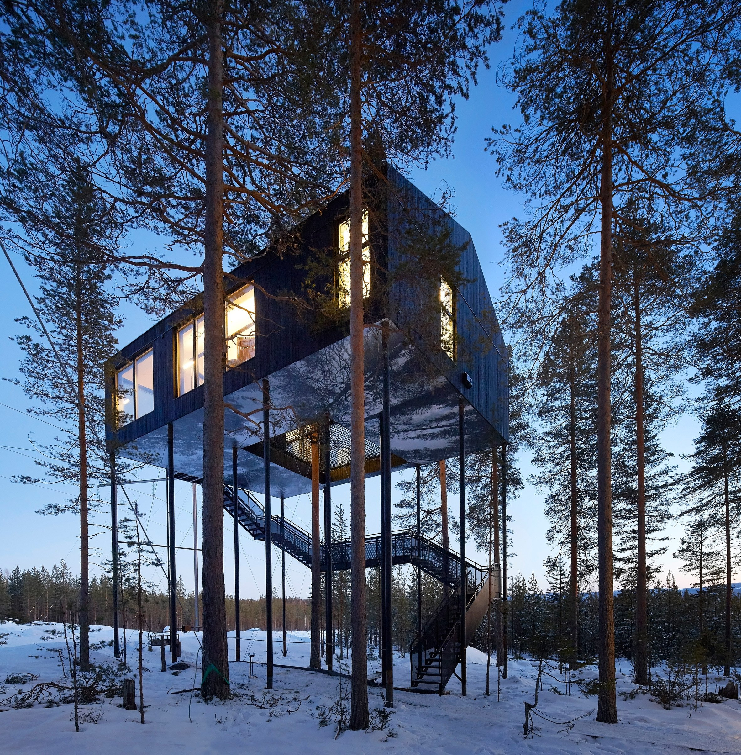 hufton crow s new photographs capture sweden s treehotel at sunrise and dusk. Black Bedroom Furniture Sets. Home Design Ideas
