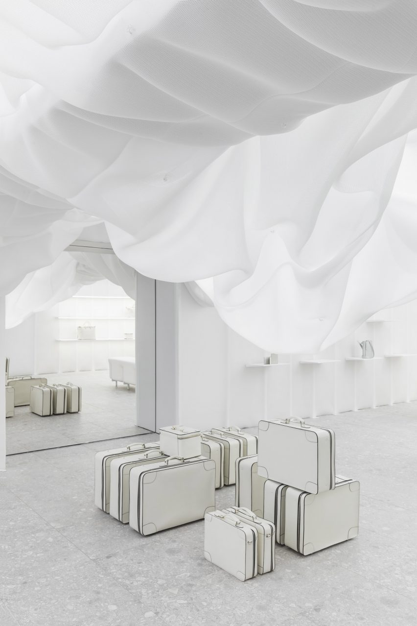 Velextra Store by Snarkitecture