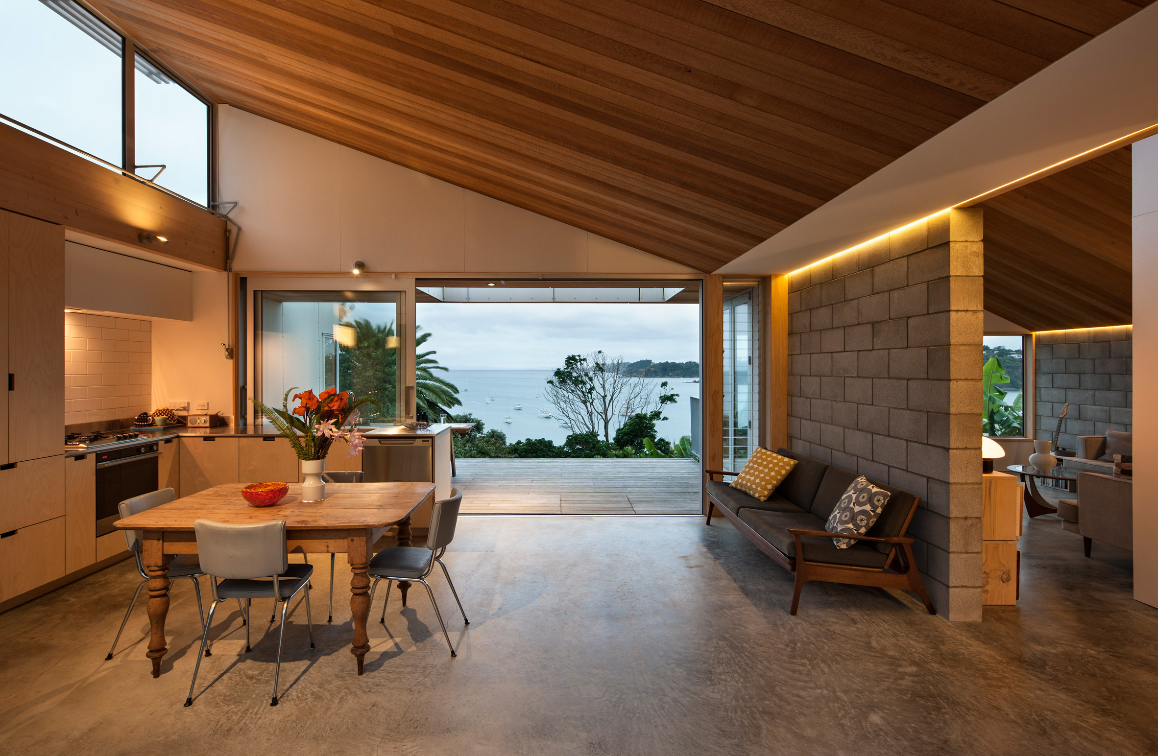 Vaughn McQuarrie completes island cottage overlooking New Zealand's Hauraki Gulf