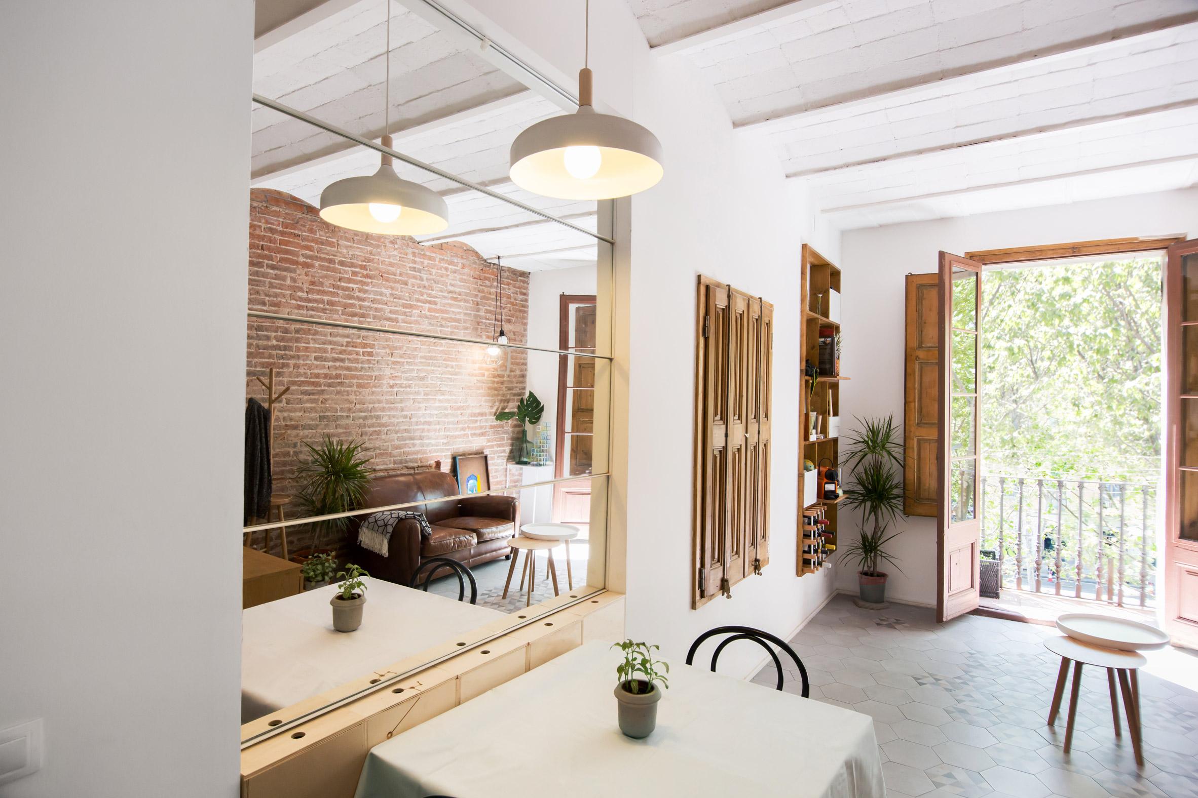 furniture architecture. Renovasi Rumah Ini Dilakukan Dari Awal Seperti Pengeksposan Dinding Bata Dan Langit-langit Yang Berkubah. Menggunakan Furniture Architecture N