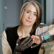 Imogen Heap develops gloves that make music through hand gestures