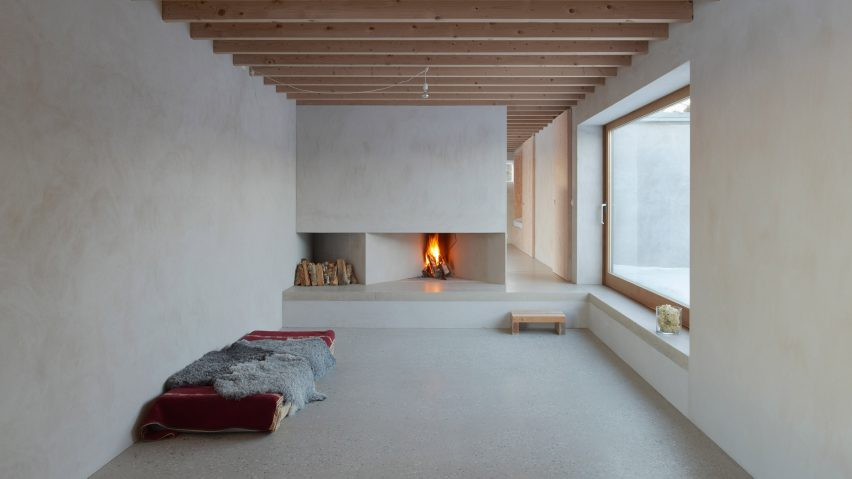 Tham & Videgård Arkitekter designs austere holiday home on Swedish ...