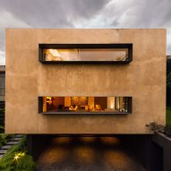 Andres Stebelski elevates clay-covered house above parking spot near Mexico City woods