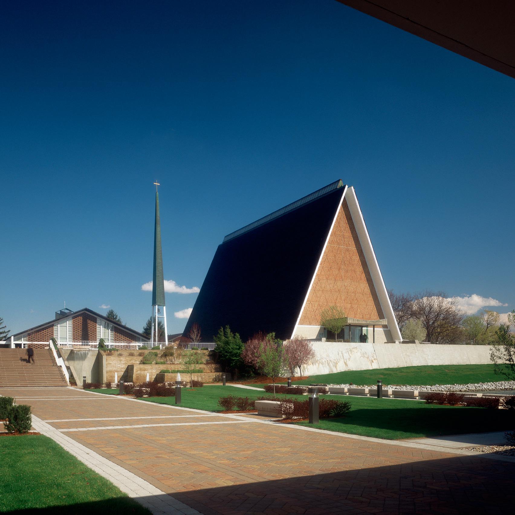 Concordia Theological Seminary by Eero Saarinen, 1953-58