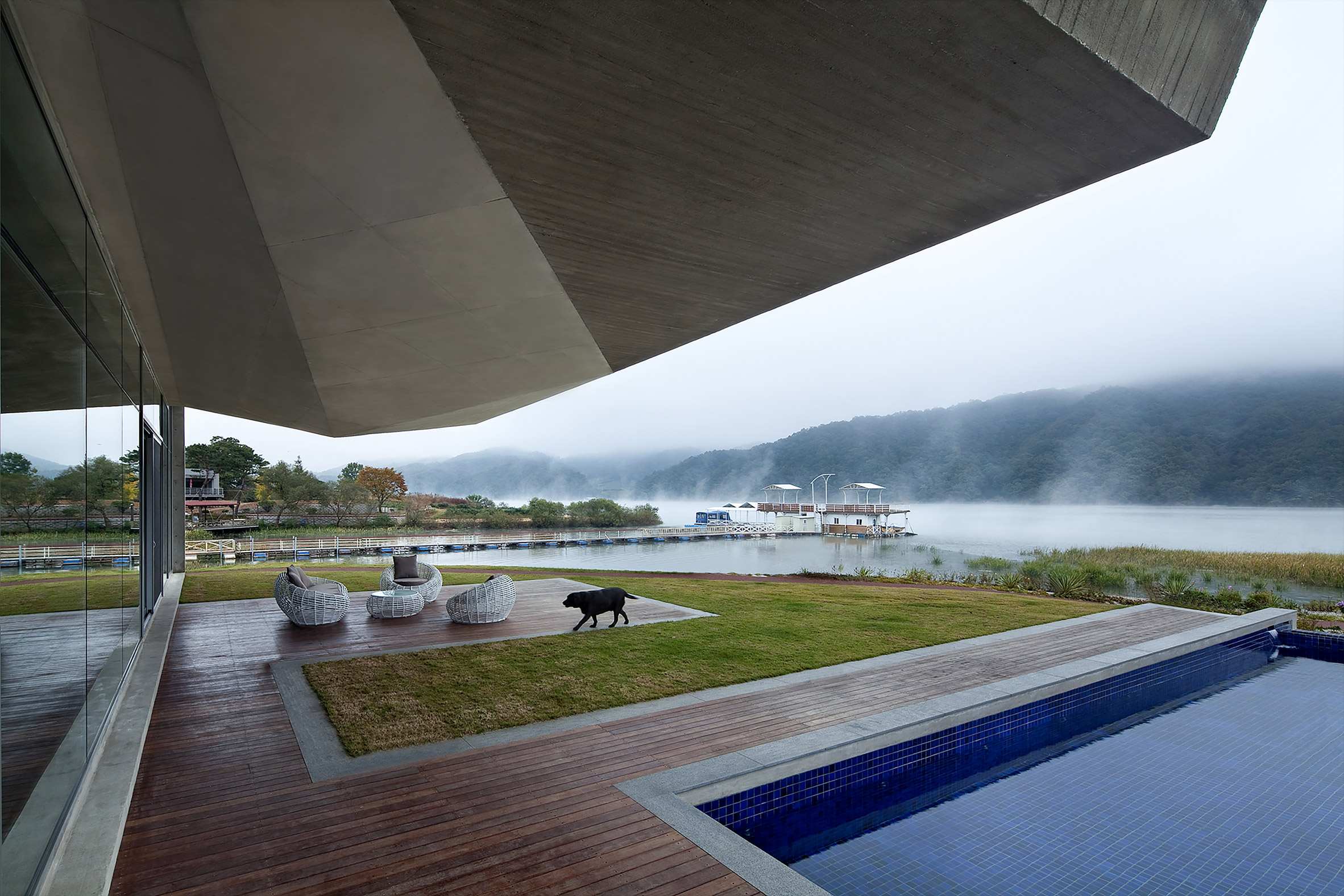 Guesthouse Rivendell by IDMM Architects