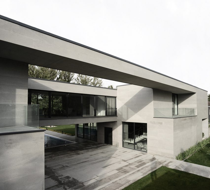 House in Iran by Kamran Heirati