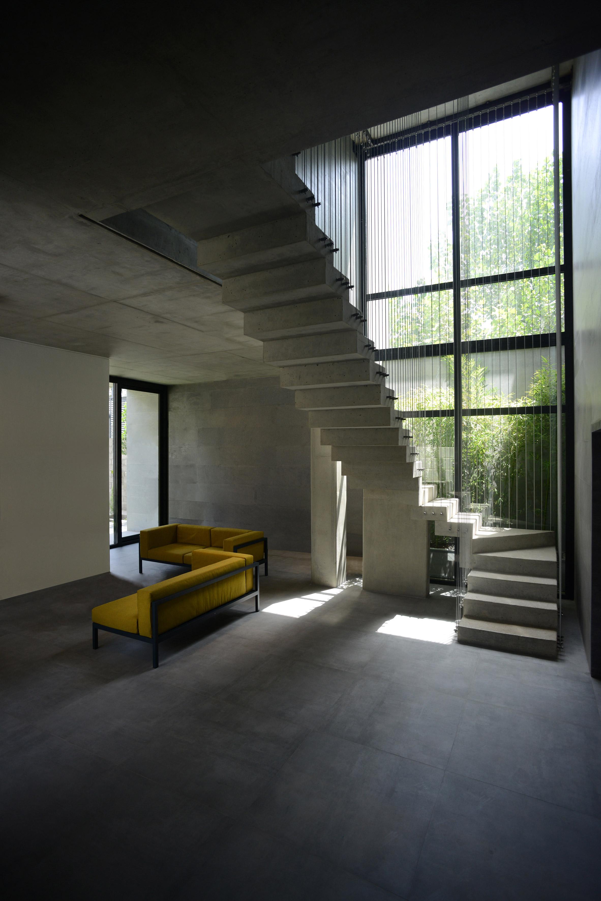 House in Iran by Kamran Heirati