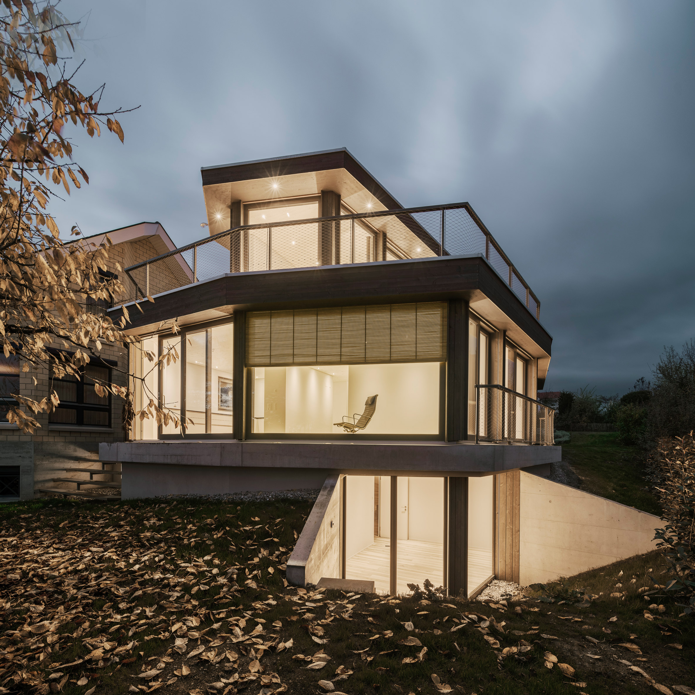"Jan Skuratowski's ""pavilion-like"" House M features large window walls"