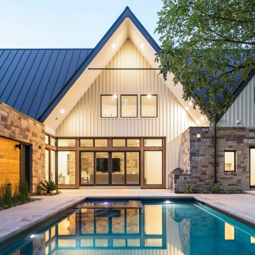 Gable Wall Conceals Double-height Atrium In Austin Home By