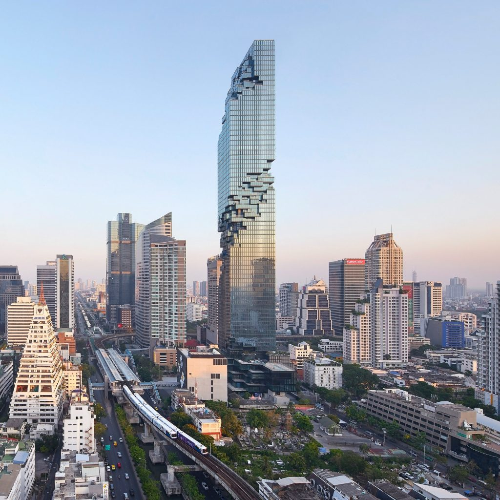 Thailand Architecture: Ole Scheeren's Pixellated MahaNakhon Tower Photographed By