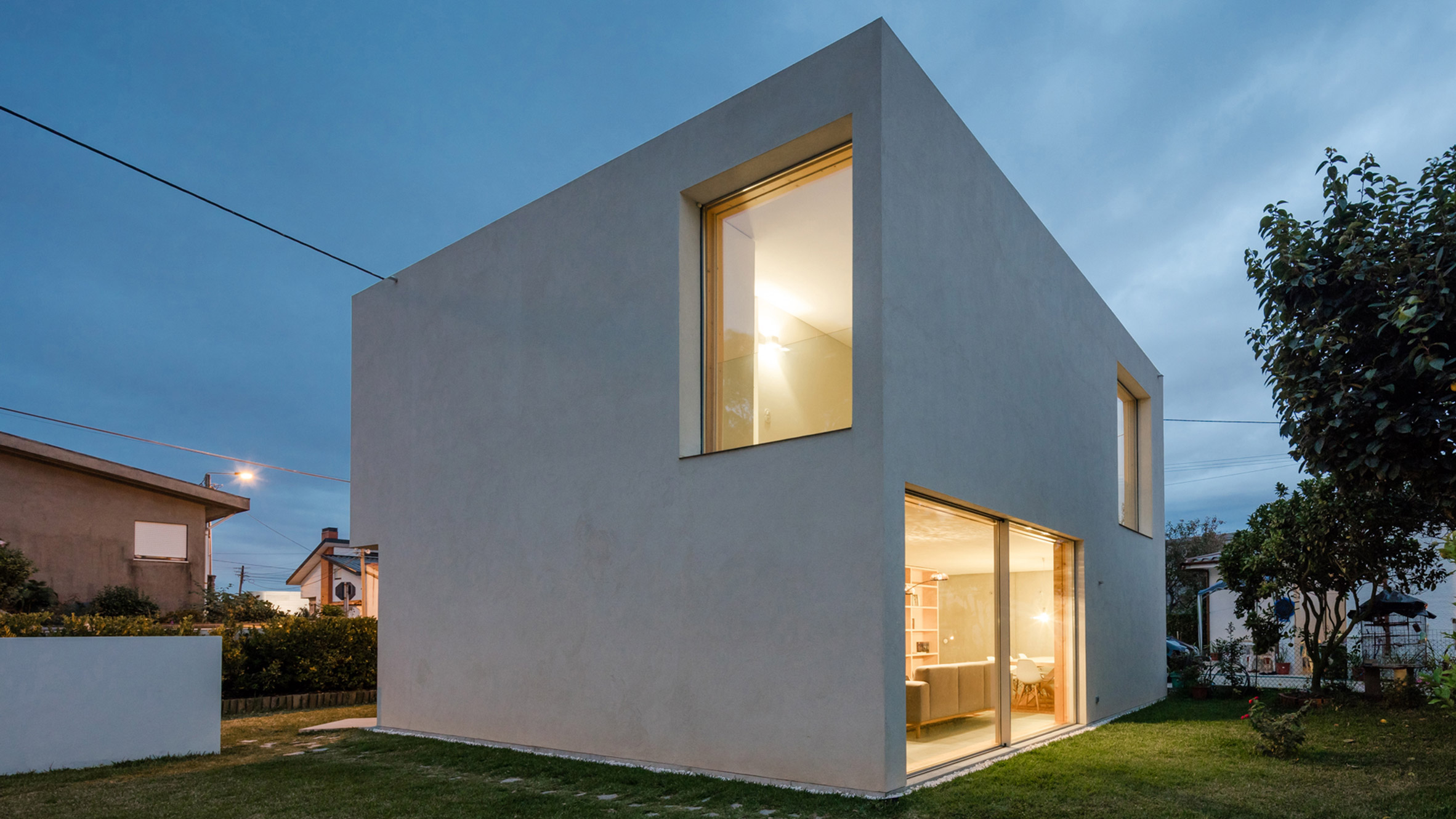 Mami House Is A Mini Bunker Built For Couple On Very Tight Budget