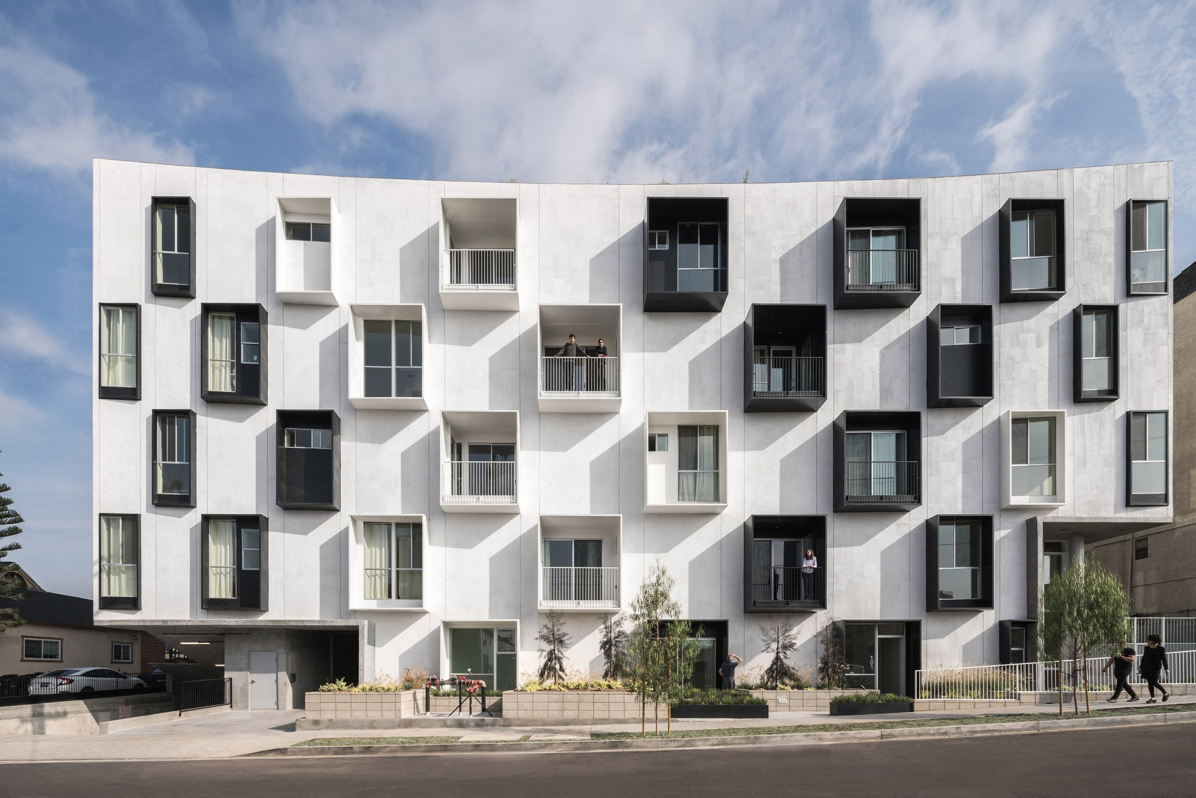 LOHA creates housing block with curvilinear courtyard in LA's Koreatown