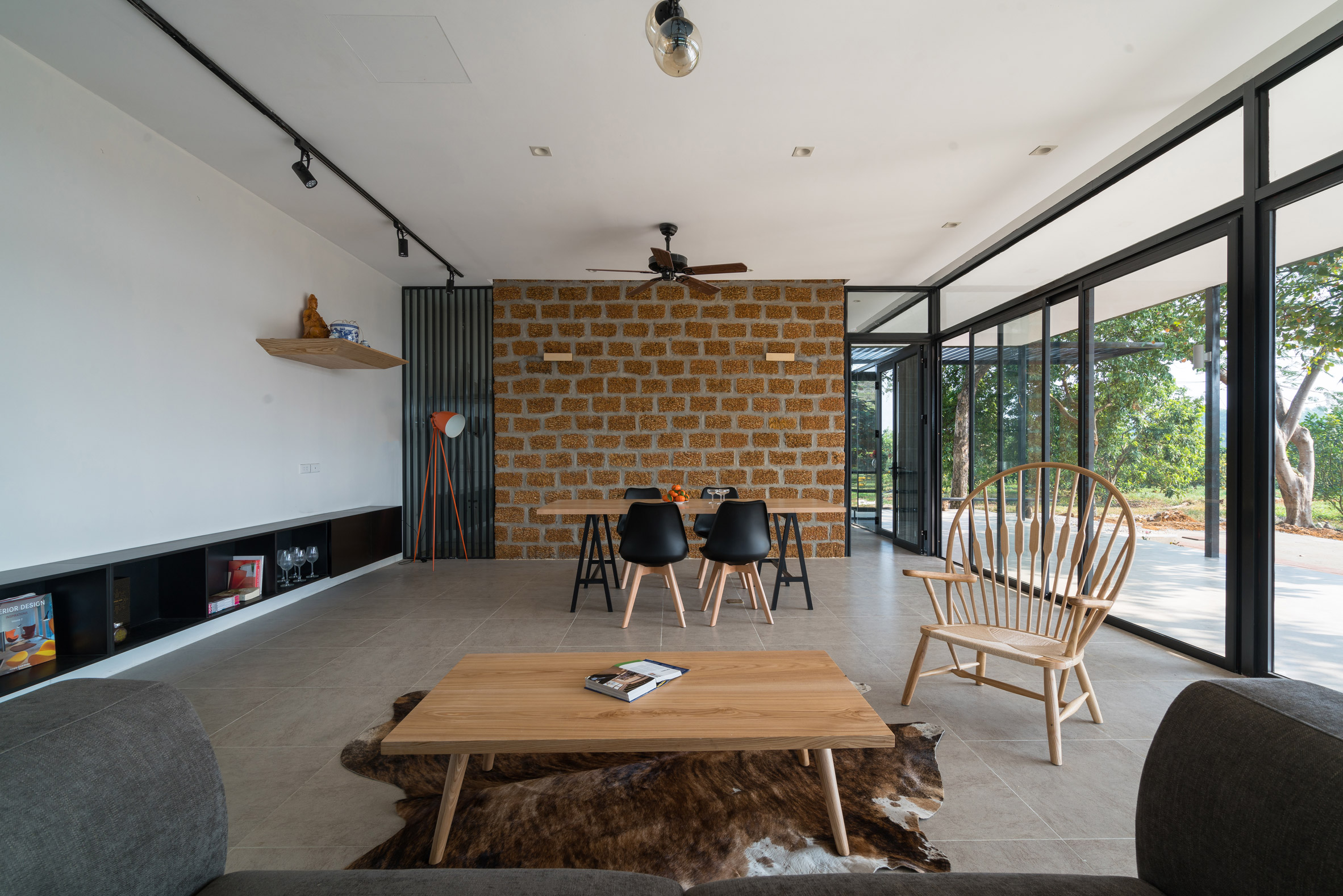 Mian Farm Cottage by Idee Architects