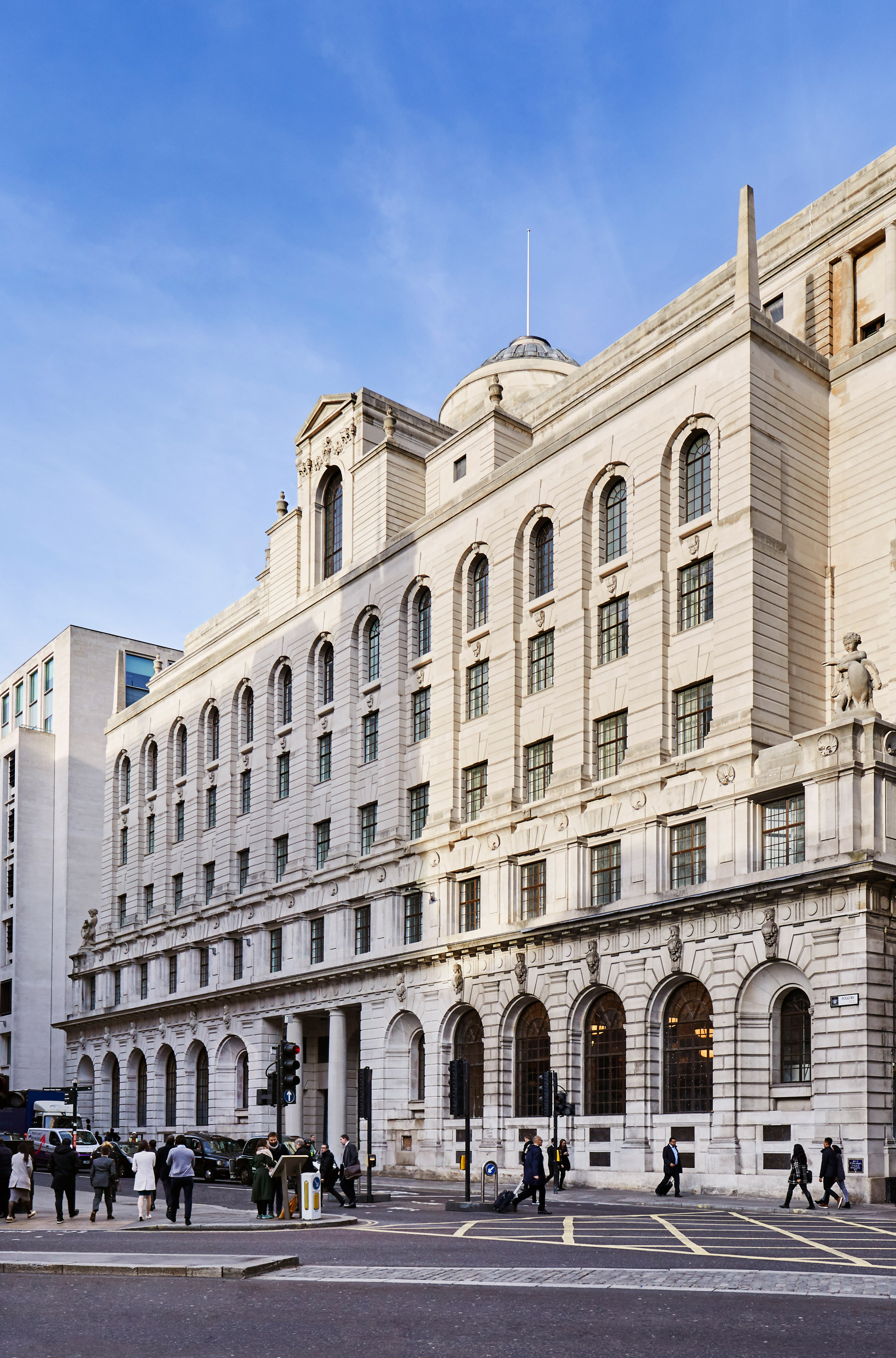 Edwin Lutyens' Midland Bank reopens as hotel and members' club The Ned