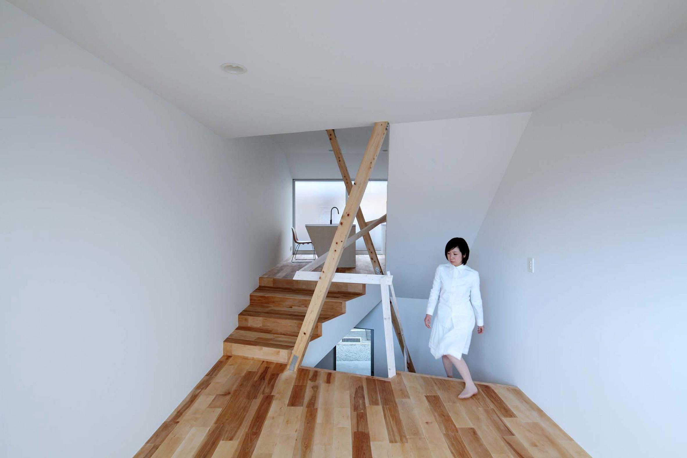 New Kyoto Townhouse 2 by Alphaville Architects