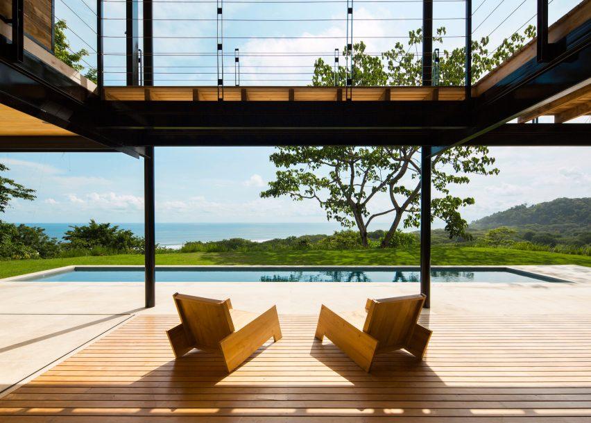 Ocean Eye House by Benjamin Garcia Saxe Architecture