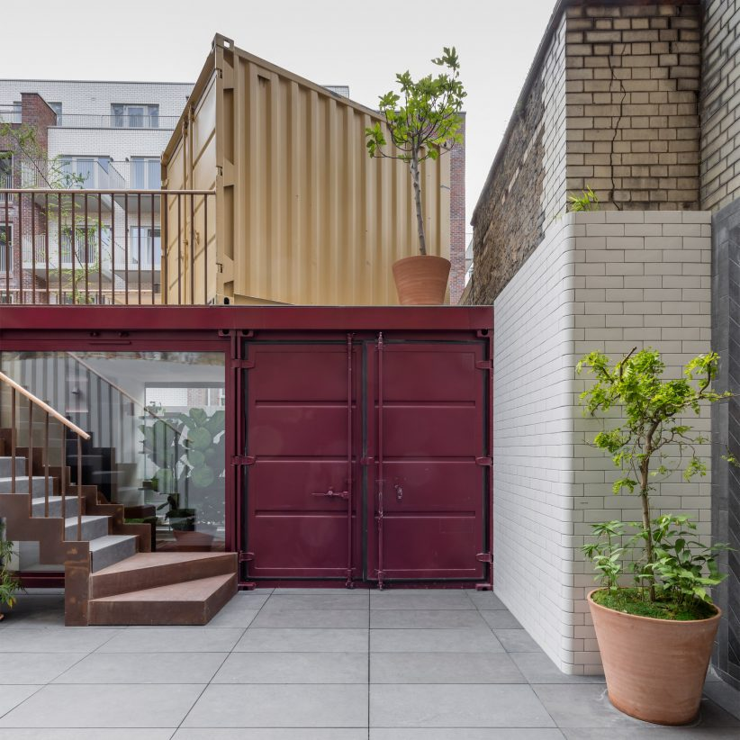 Simon astridge stacks shipping containers to create backyard london office archiweb 3 0 - Container homes london ...