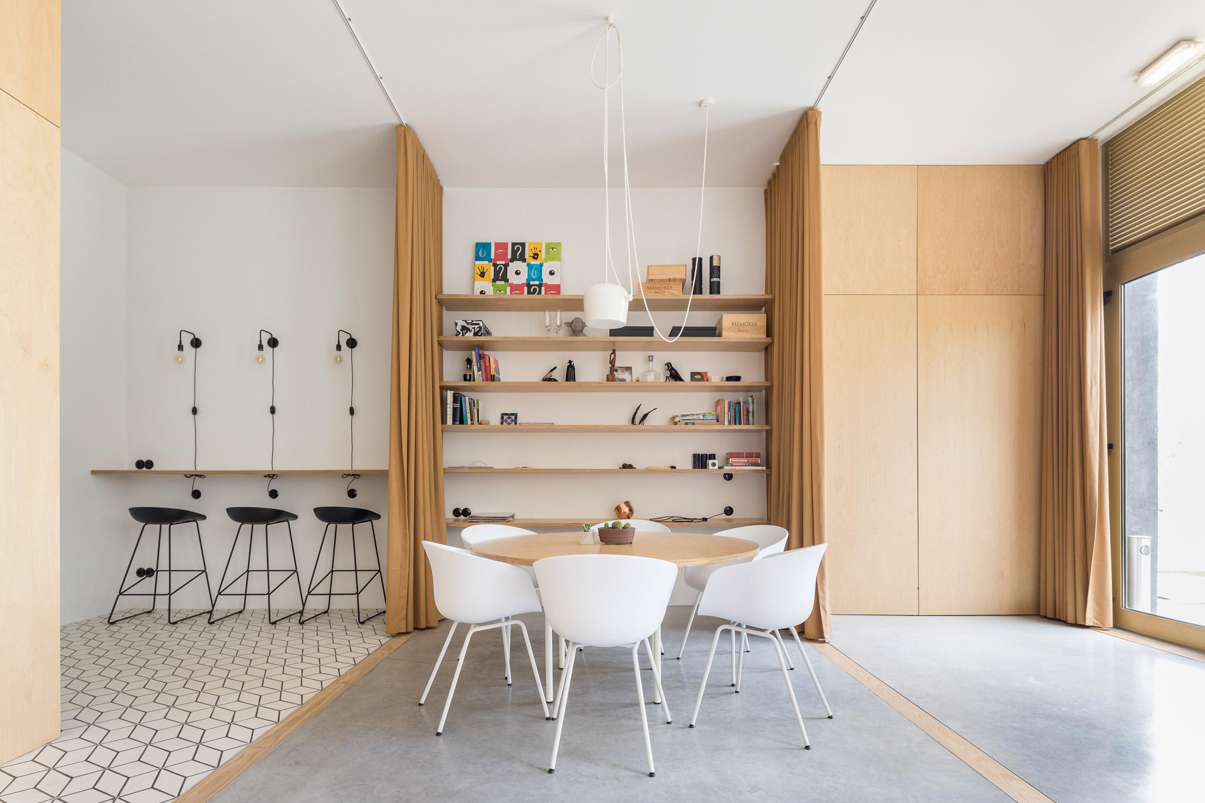 Pure Office by Sílvia Rocio + Mariana Póvoa